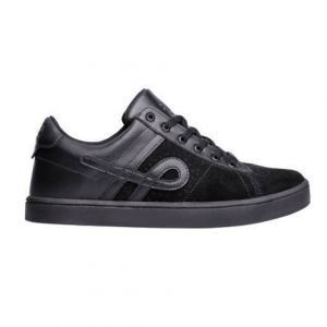TENIS OUS CAPITAO ALL BLACK ESSENCIAL