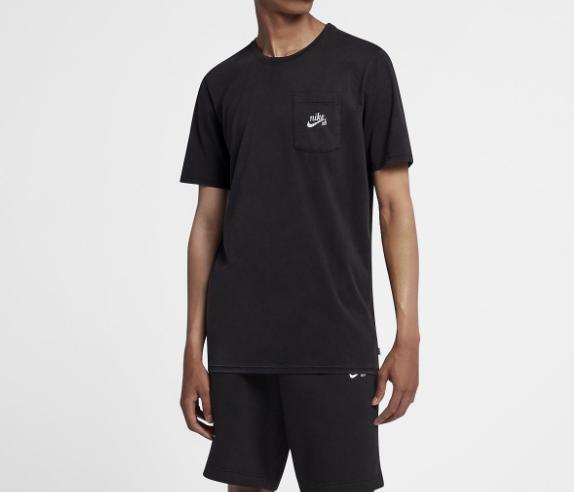 camiseta-NIKE-SB-POCKET-Arqa-skateshop-multimarcas
