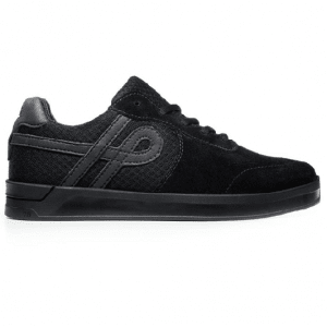 TENIS OUS UENO ALL BLACK ESSENCIAL